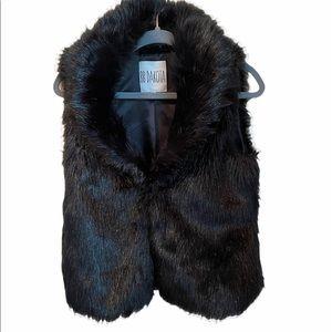 BB Dakota black  fur vest EUC